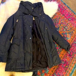 Gorgeous navy Burberry puffer coat